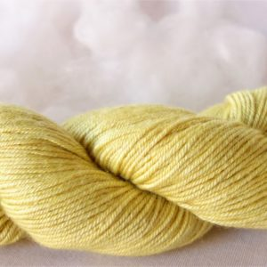Laine mérinos et soie – teinture camomille 1026-1027