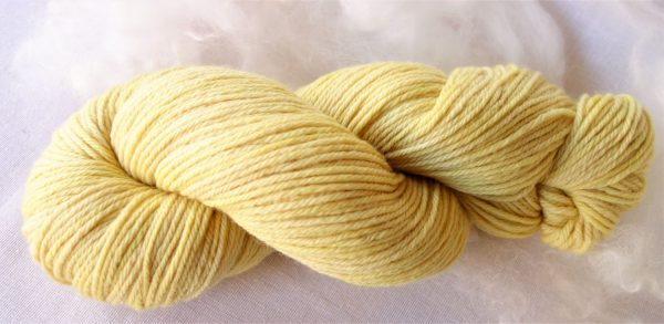 Laine mérinos et soie – teinture camomille 485