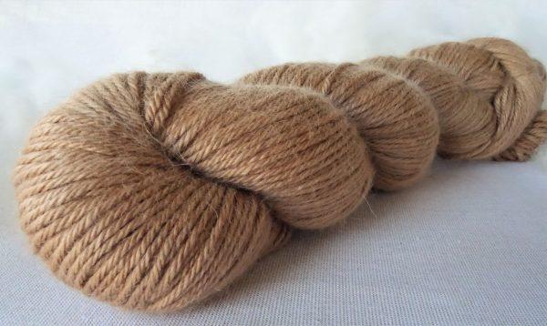 488-489 Laine bébé alpaga, soie, cachemire. DK. Teinture noix vertes. Tricot