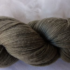 Laine mérinos – teinture feuilles de noyer 996