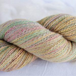 Laine filée mérinos et soie – couleurs pastel 173
