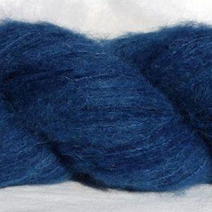 Laine baby alpaga suri et soie. Teinture végétale à l'indigo. Couleur bleue foncée. 1448-1449-1450